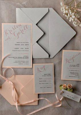 Invitatie nunta carton somon si gri